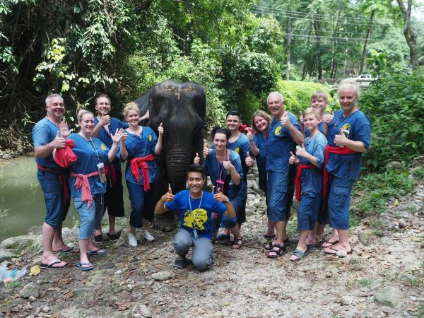 E1 FULL PROGRAM ELEPHANT CARE